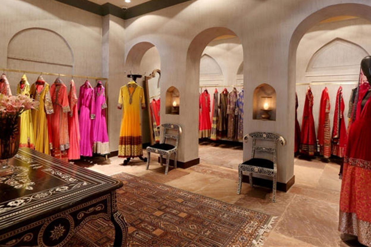 Readymade Garments Showroom Interior Design For Cloth
