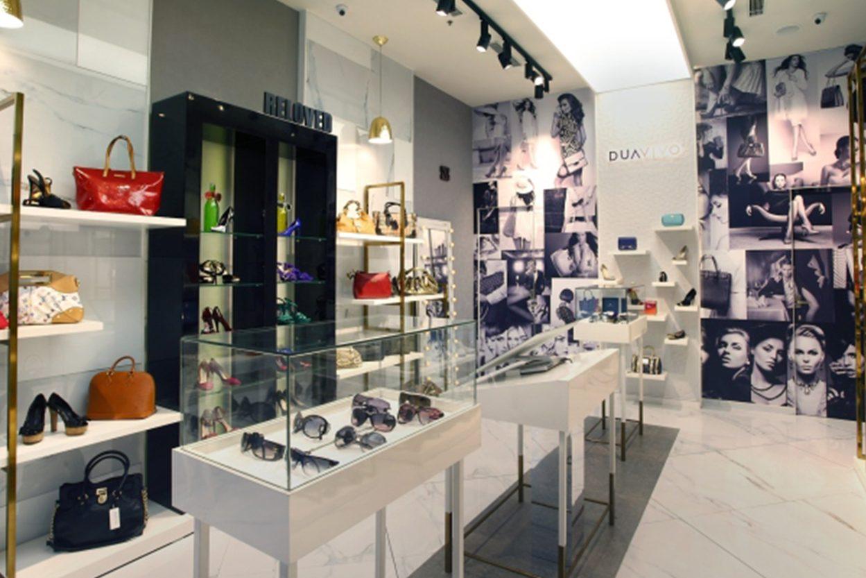 9331fffc974 Handbag Shop Showcase - Boutique Store Design, Retail Shop Interior ...