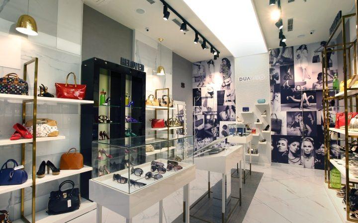 DuaVivo Bag Store Interior Design Display Furniture ...