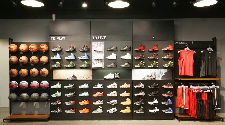 ae76e43a73b Custom Design Running Shoes Shop Ideas - Boutique Store Design ...