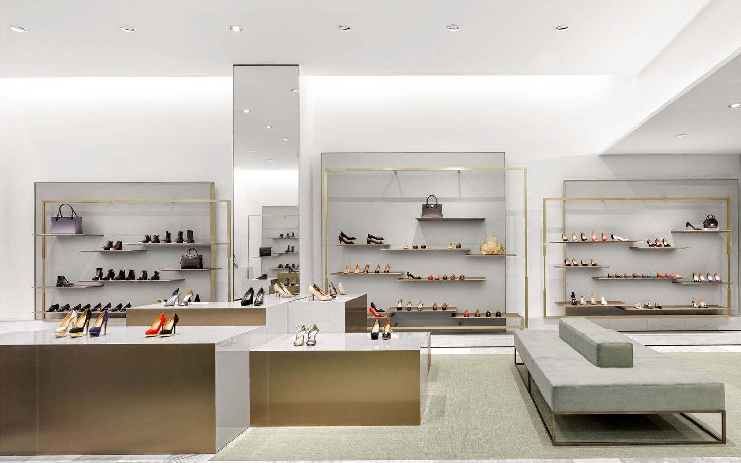 Local Ladies Footwear Display Showroom Design - Boutique Store ...