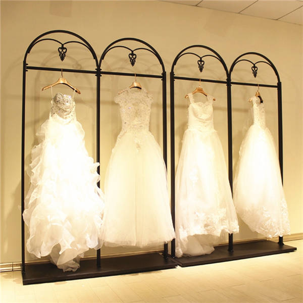 Wedding Gown Display: Bridal Store Wedding Dress Display Rack Clothing Wall