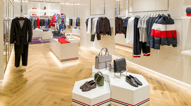 Small Boutique Clothing Store Interior Design Layout Boutique Store Design Retail Shop Interior Design Ideas